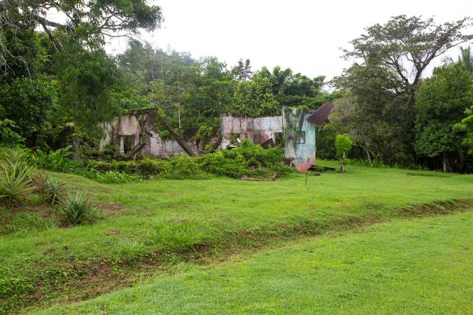 34_coiba_penal_colony-ruins