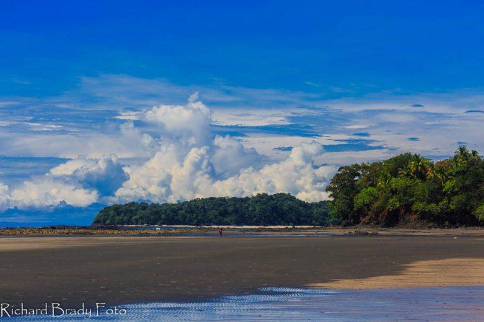 Playa estero con marea baja