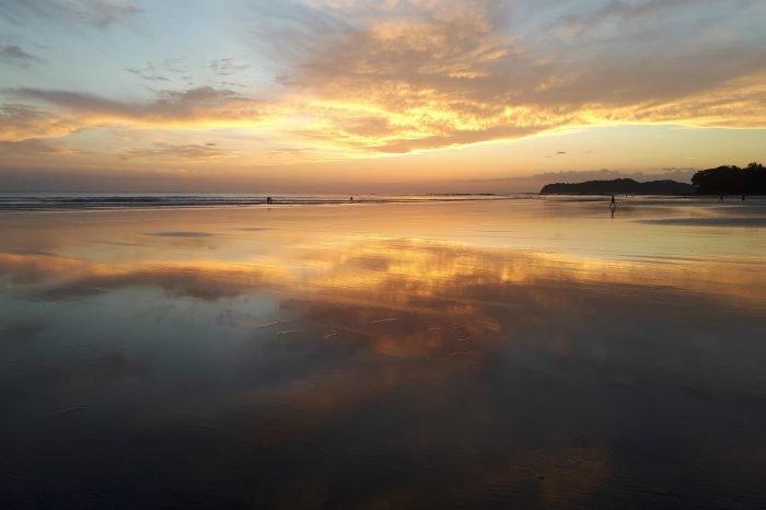 Puesta de sol playa Estero